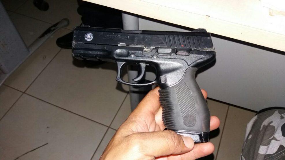 Arma imitação